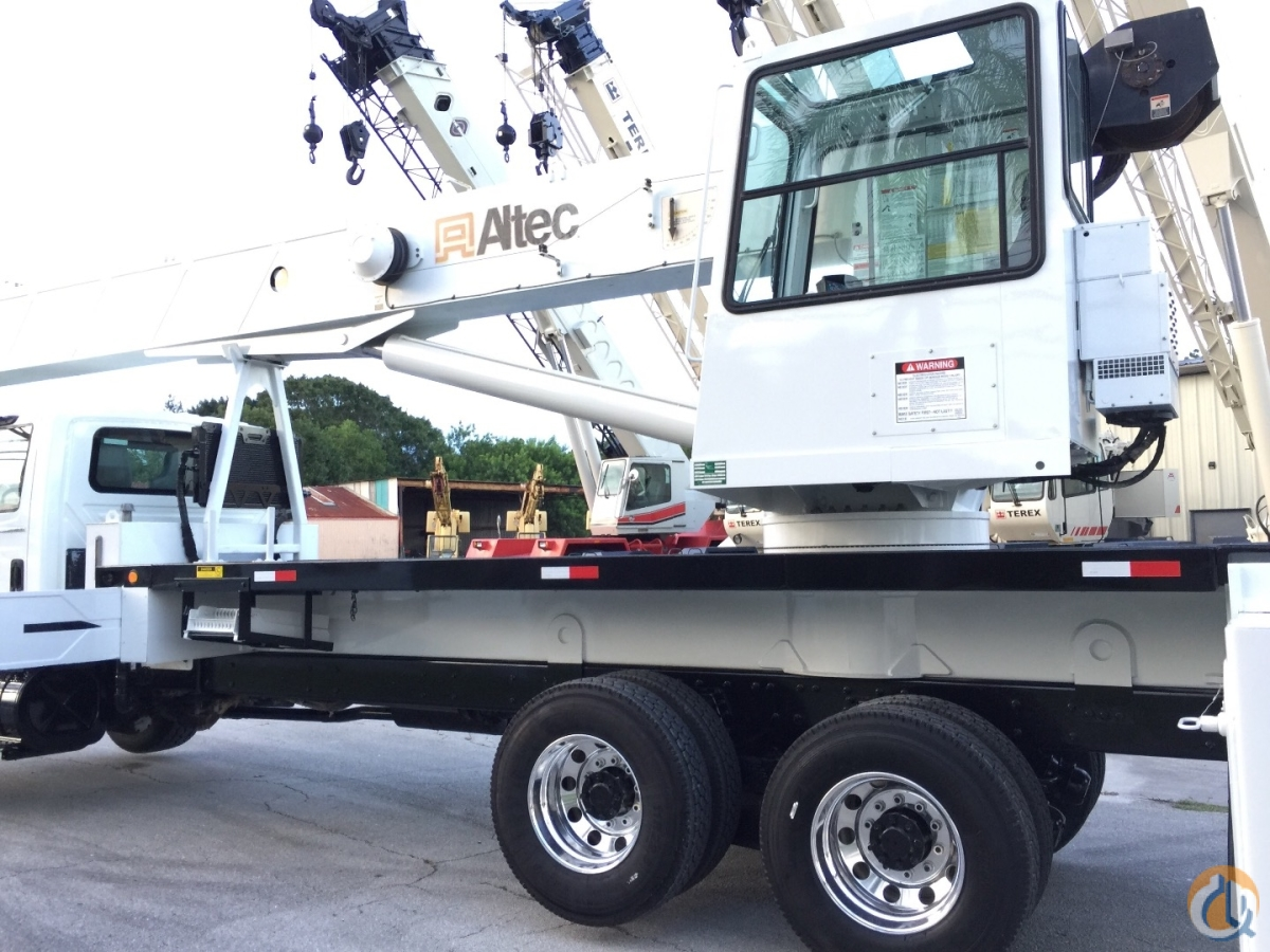 2007 INTERNATIONAL DT570 W ALTEC 38 ton AC38127S Crane for Sale in Fort Pierce Florida on CraneNetworkcom