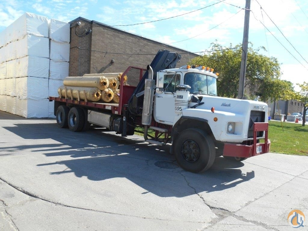Hiab 175-5 1995 Mack Crane for Sale in Lyons Illinois on CraneNetwork.com