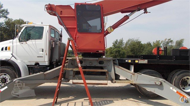 2001 MANITOWOC 2892SX Crane for Sale in Des Moines Iowa on CraneNetwork.com