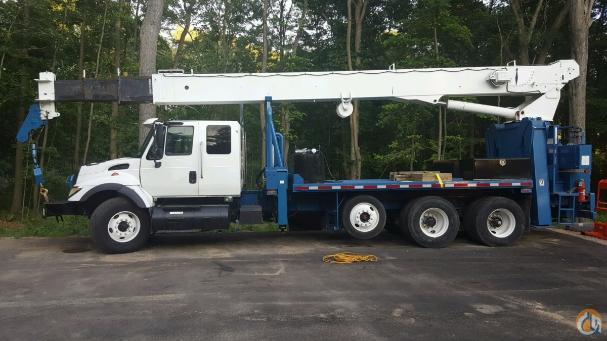2004 National 900A Mounted on 2004 International 7500 Tri-Axle Truck Crane for Sale on CraneNetworkcom