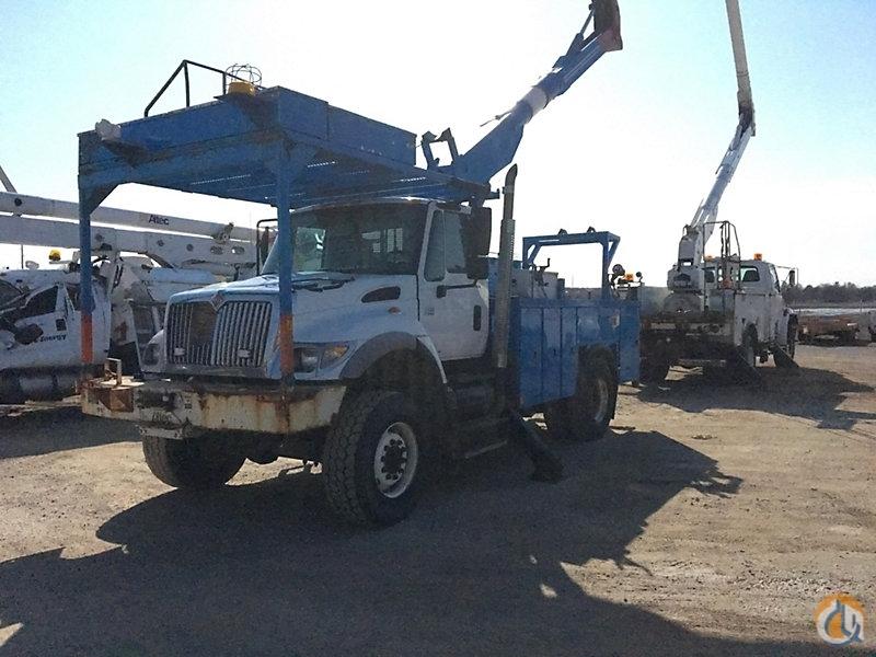 Sold Altec AA600 Crane for in Charlotte Michigan on CraneNetwork com