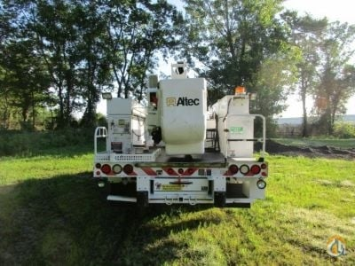 Sold 2012 Altec AT37-G Crane for  in Wright City Missouri on CraneNetwork.com