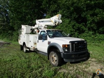 Sold 2010 Altec TA37M Crane for  in Wright City Missouri on CraneNetwork.com