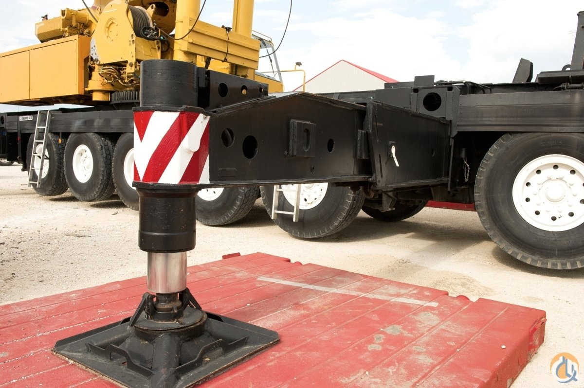 1994 LIEBHERR LTM-1400 500 US TON (400 METRIC TON) CRANE Crane for on