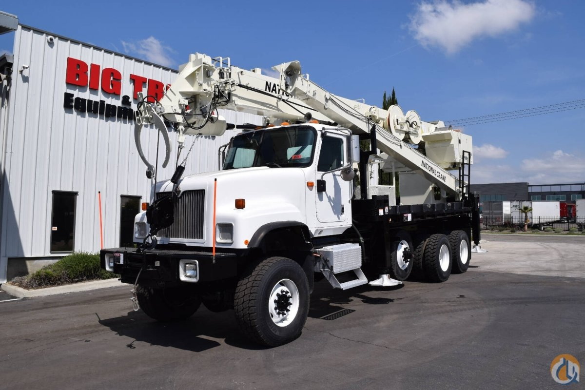 2002 International 5500i 6x6 National 900 23 Ton Crane Digger Truck Crane for Sale in Fontana California on CraneNetwork.com