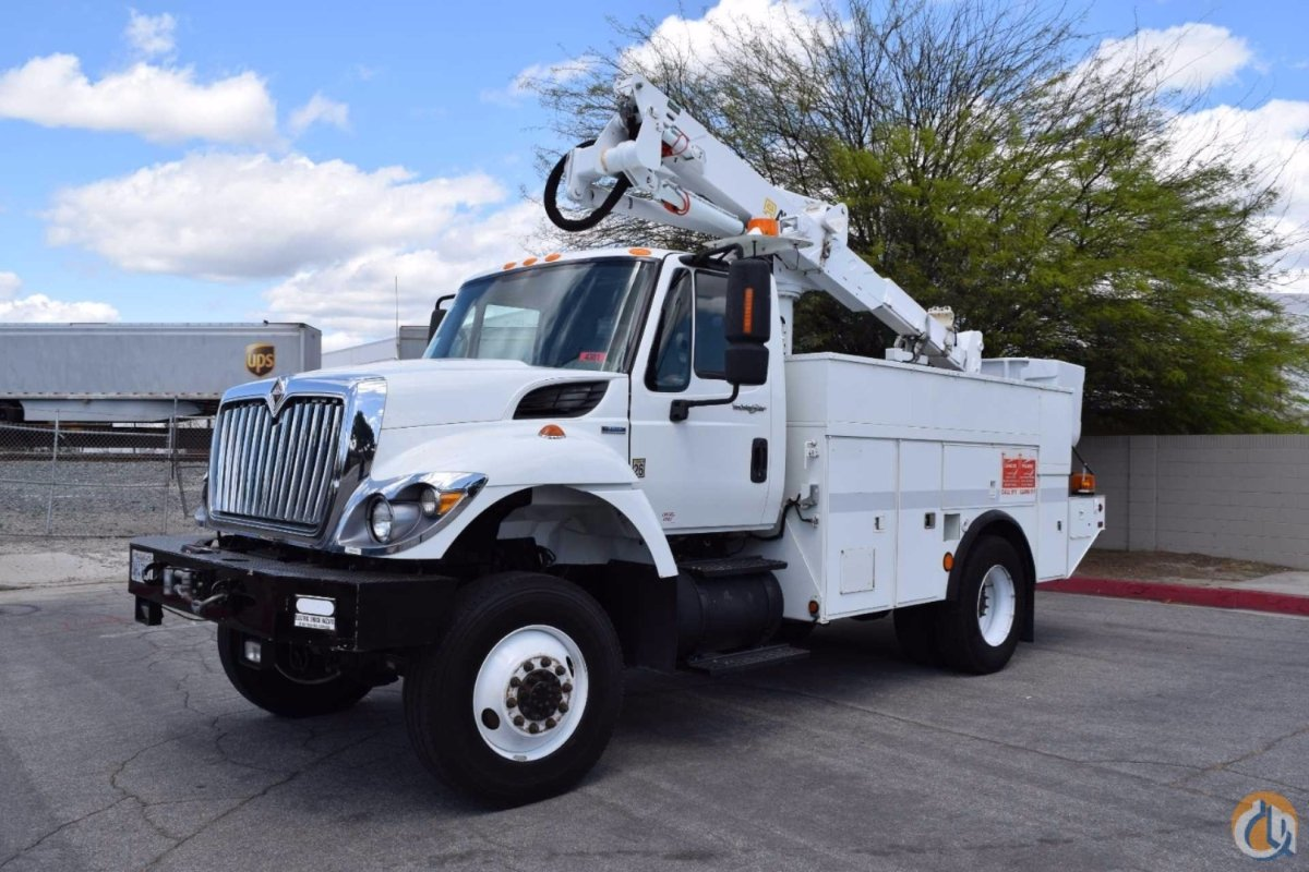 2008 International 7300 4x4 Altec AT37-G 42 Bucket Truck Crane for Sale in Norwalk California on CraneNetwork.com