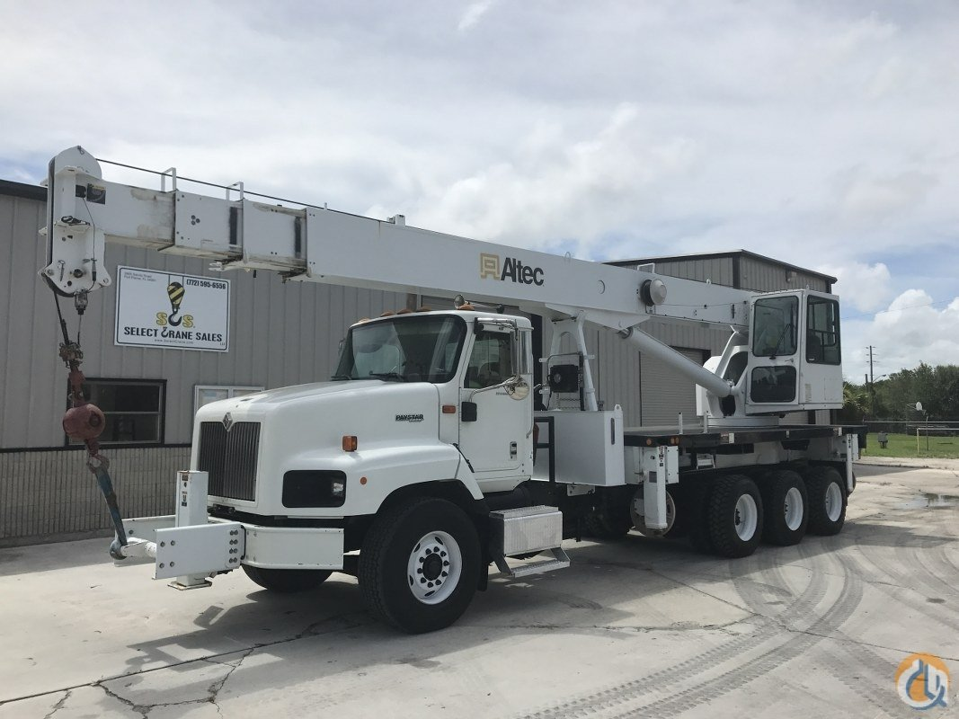 Sold 2006 ALTEC AC26-103S Crane for  in Fort Pierce Florida on CraneNetwork.com
