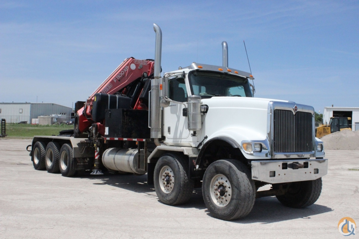 2006 Fassi F1100AXP.28 mounted to 2006 International 5900i chassis Crane for Sale in Olathe Kansas on CraneNetwork.com