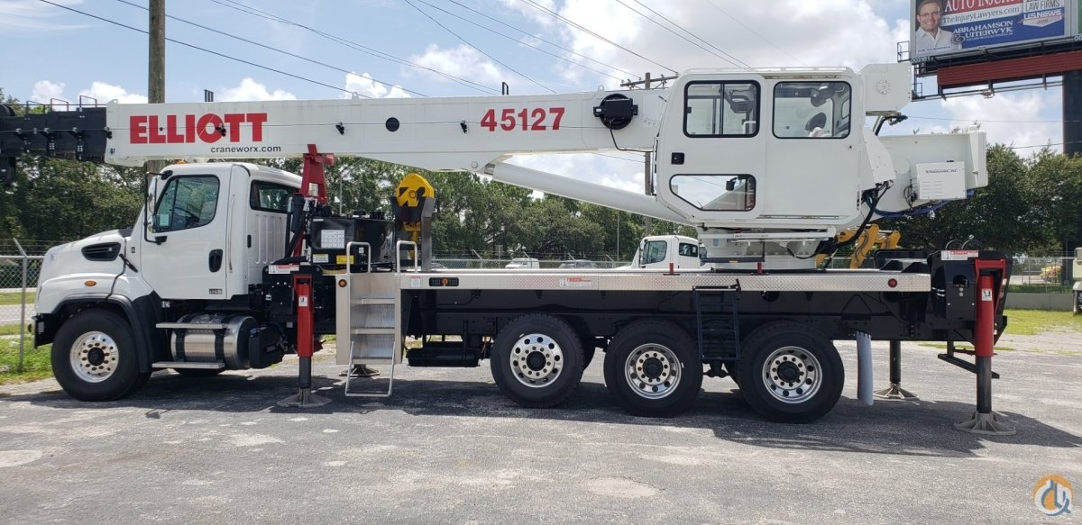 New Elliott 45127R on a new Freightliner 114SD Crane for Sale in Tampa Florida on CraneNetwork.com