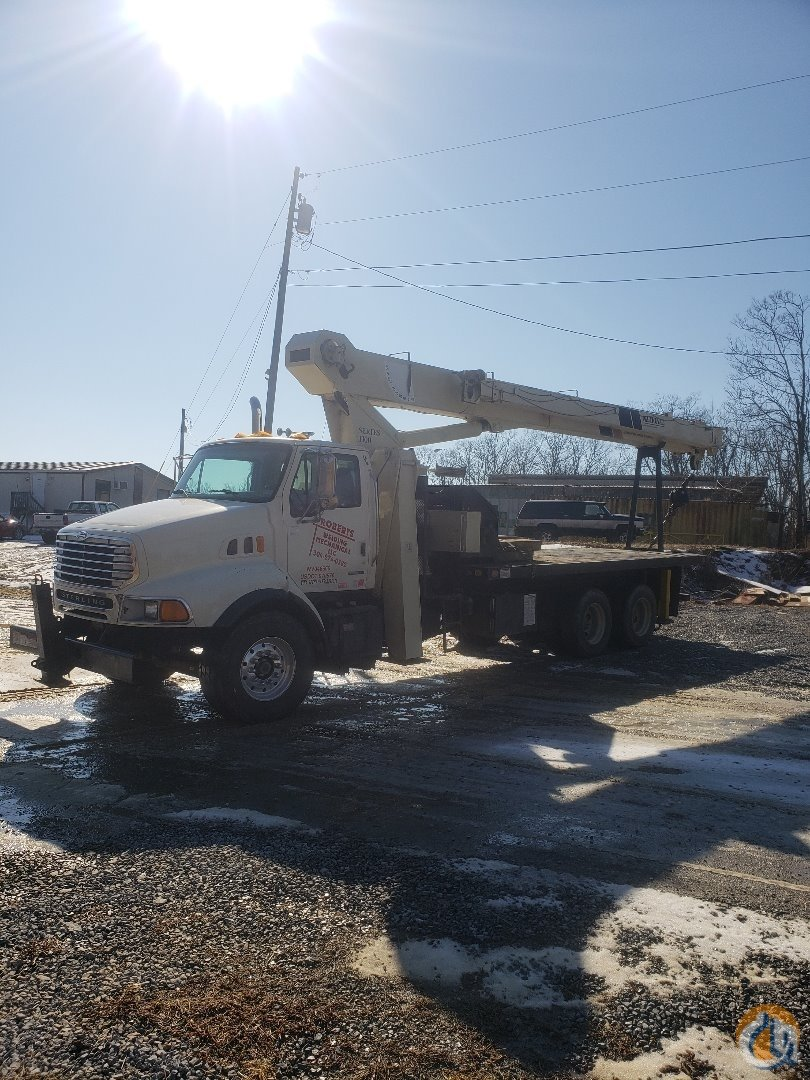 2002 National 11105 Series Crane Mounted on a 2001 Sterling Crane for Sale in Falling Waters West Virginia on CraneNetwork.com