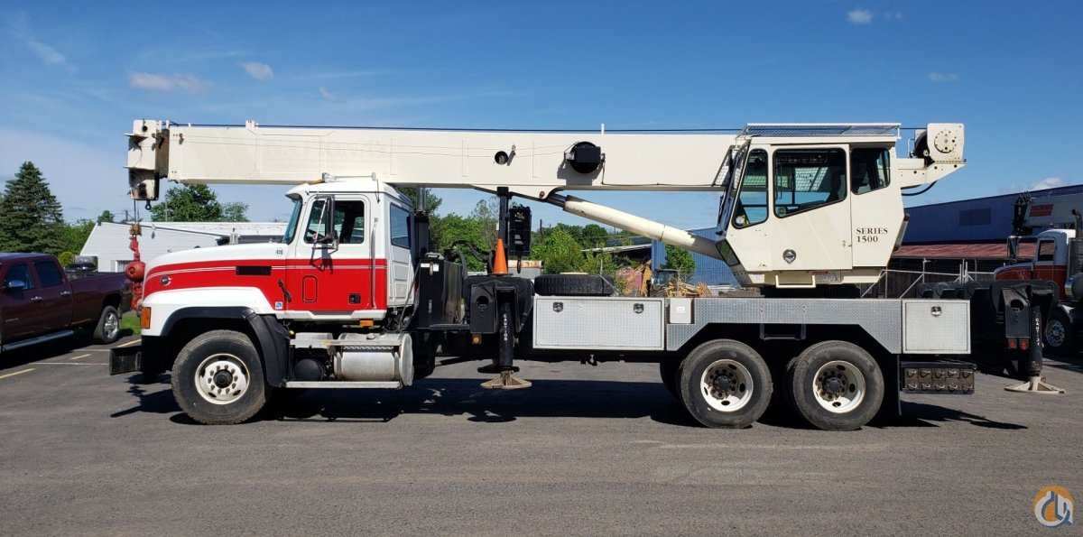 2001 National 15103 Crane for Sale in Prospect Park Pennsylvania on CraneNetwork.com