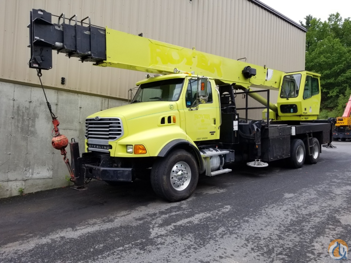 2007 National 14127 Swing Cab Boom Truck Crane for Sale in Billerica Massachusetts on CraneNetwork.com