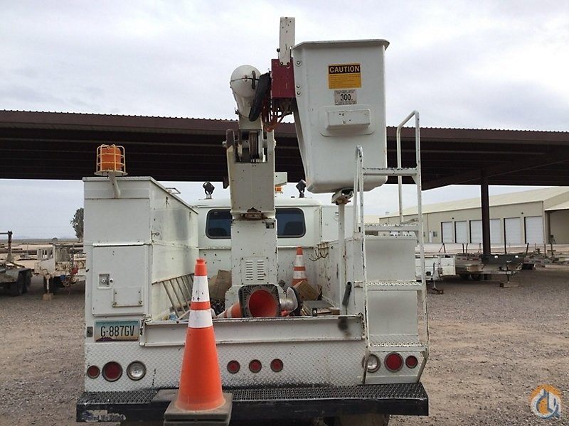 Sold Altec AO300 Crane for in Wright City Missouri on