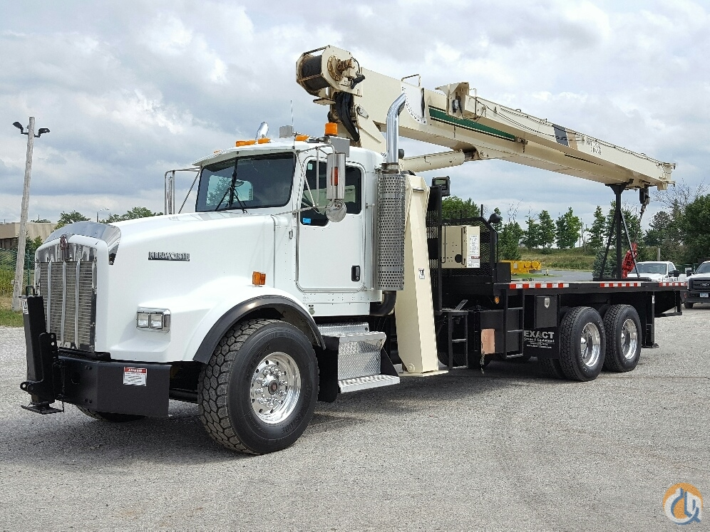 National 8100D Boom Truck Cranes Crane for Sale 2004 National 8100D in Cleveland  Ohio  United States 215621 CraneNetwork
