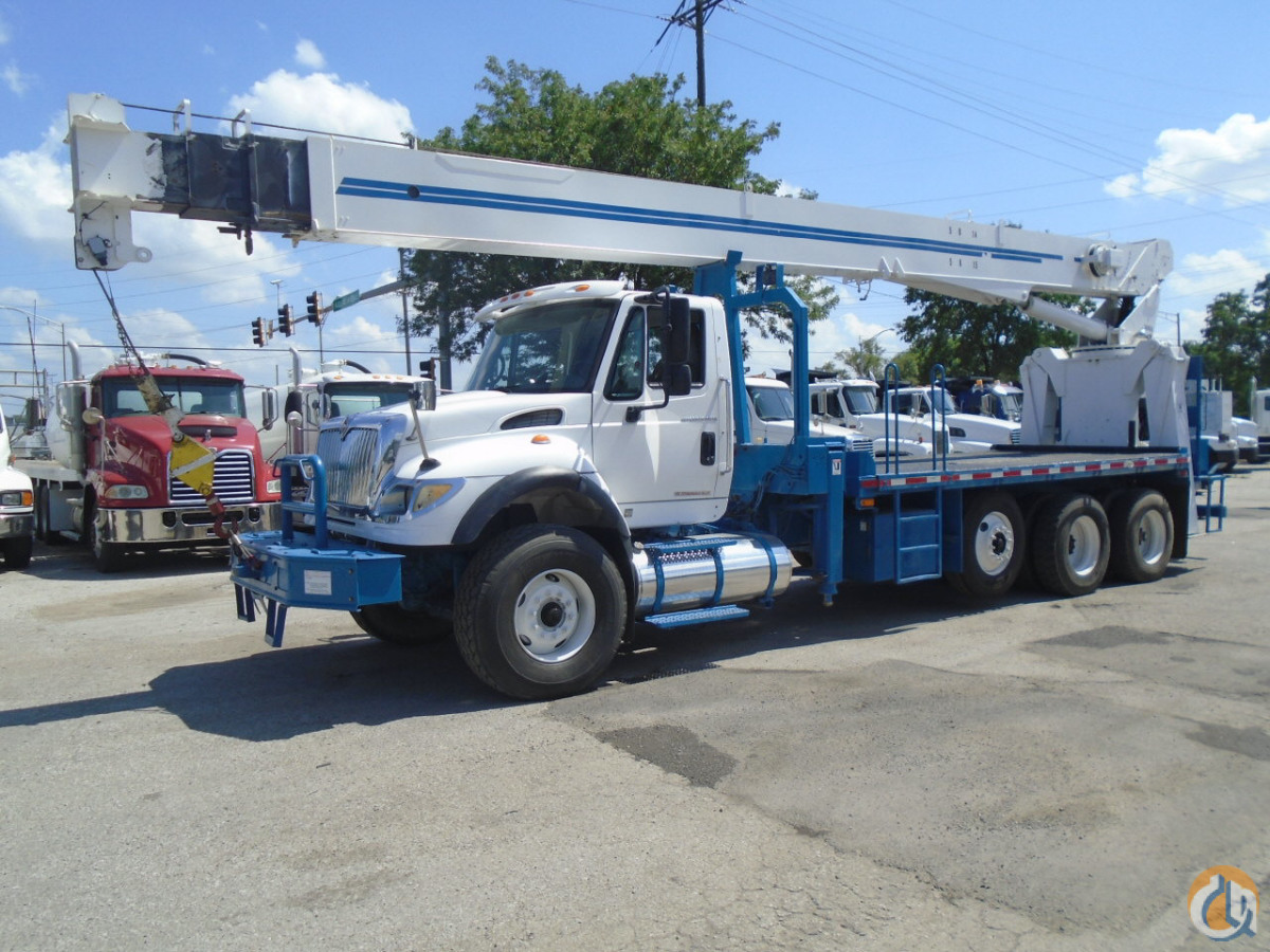 2007 national 9125a boom truck ansi crane for sale in kansas city kansas on. Black Bedroom Furniture Sets. Home Design Ideas