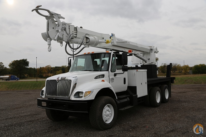Altec 3060 Digger derrick 2004 IHC Truck Crane for Sale in Lyons Illinois on CraneNetworkcom