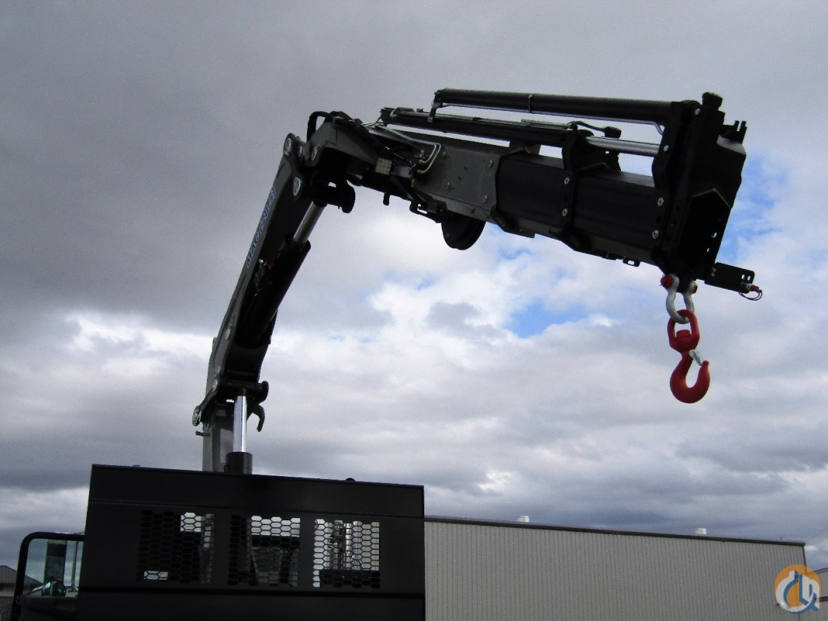 Manitex PM28523SP Knuckle Boom Crane mounted on a Peterbilt 348 Crane for Sale in Converse Texas on CraneNetwork.com