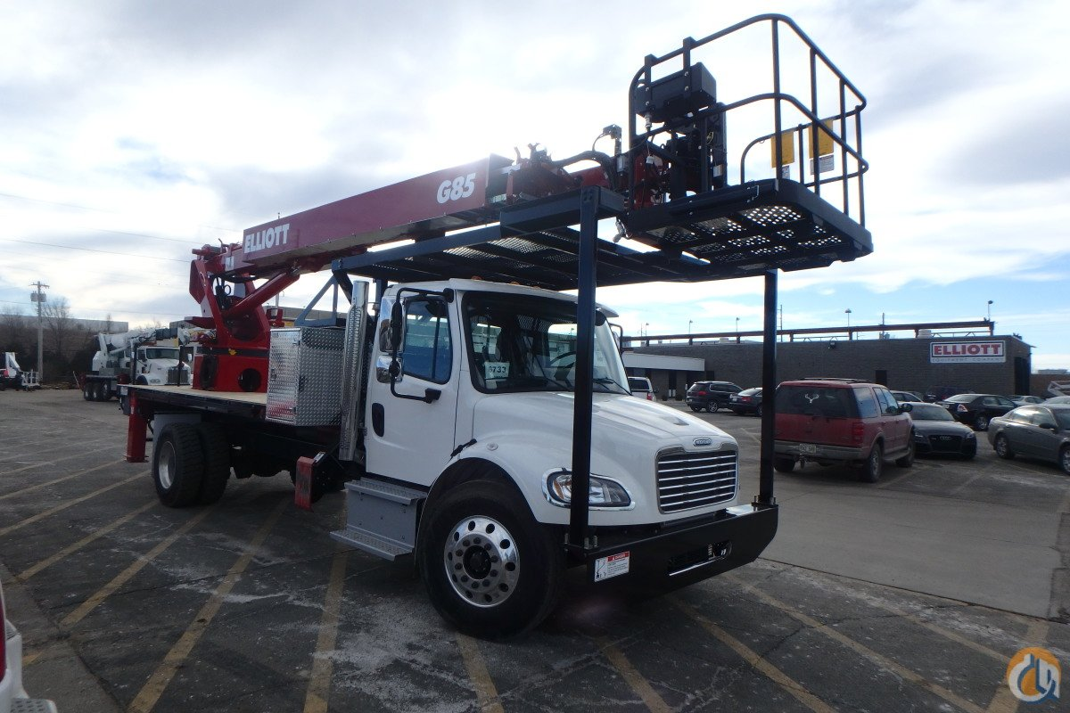 ELLIOTT G85 MOUNTED ON A 2017 FREIGHTLINER M2106 Crane for Sale in Bristol Pennsylvania on CraneNetwork.com