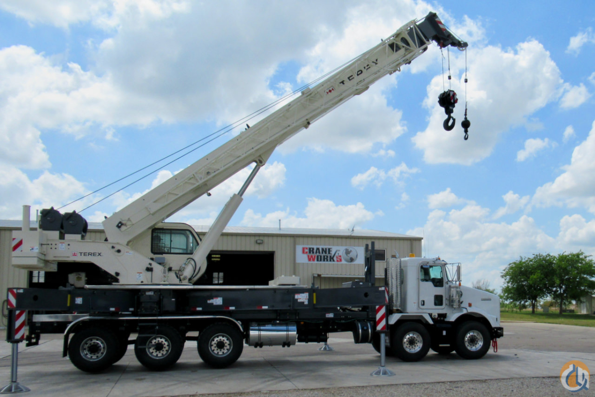 Sold Used 2018 Terex Crossover 6000 boom truck on Kenworth T800 chassis Crane for  in Houston Texas on CraneNetwork.com