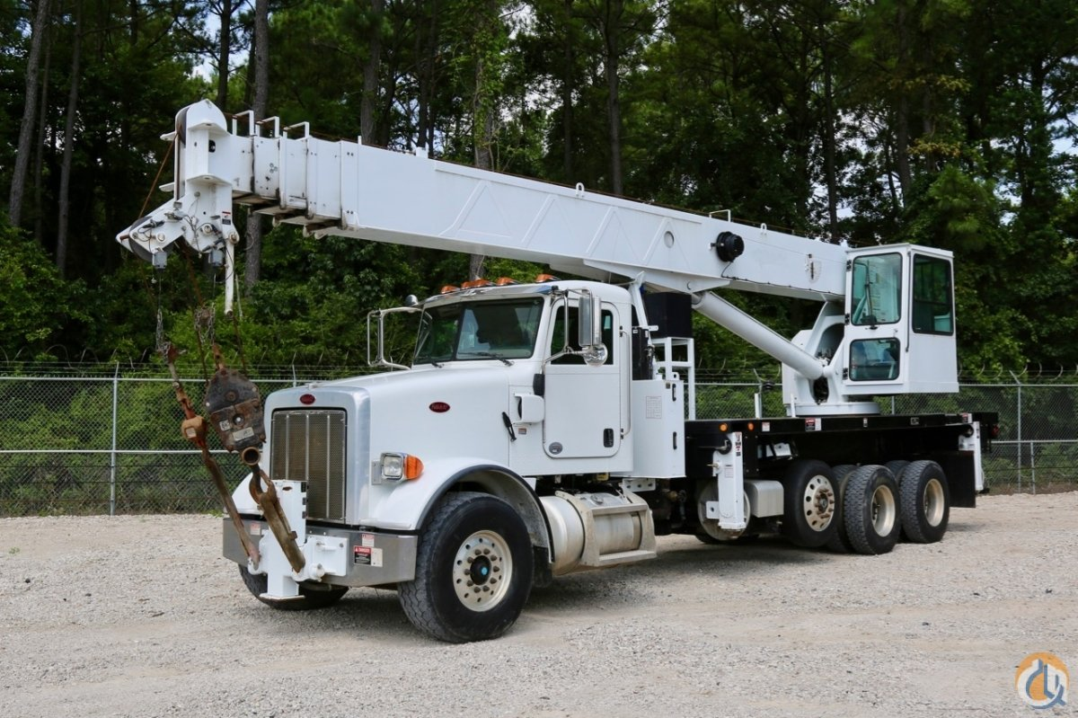 Sold Used Altec AC38-127 OD-WS on 2011 Peterbilt 385 chassis Crane for  in Houston Texas on CraneNetwork.com