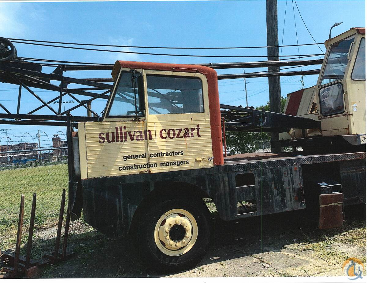 Lorain MC-325 Crane for Sale in Louisville Kentucky on CraneNetwork.com