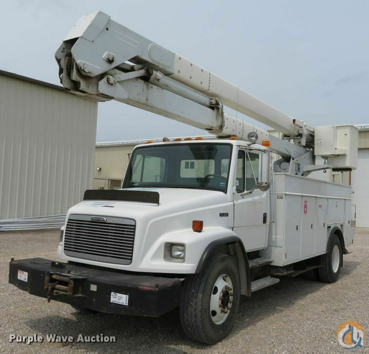 2002 Freightliner FL80 Crane for Sale in Poplar Bluff Missouri on CraneNetwork.com