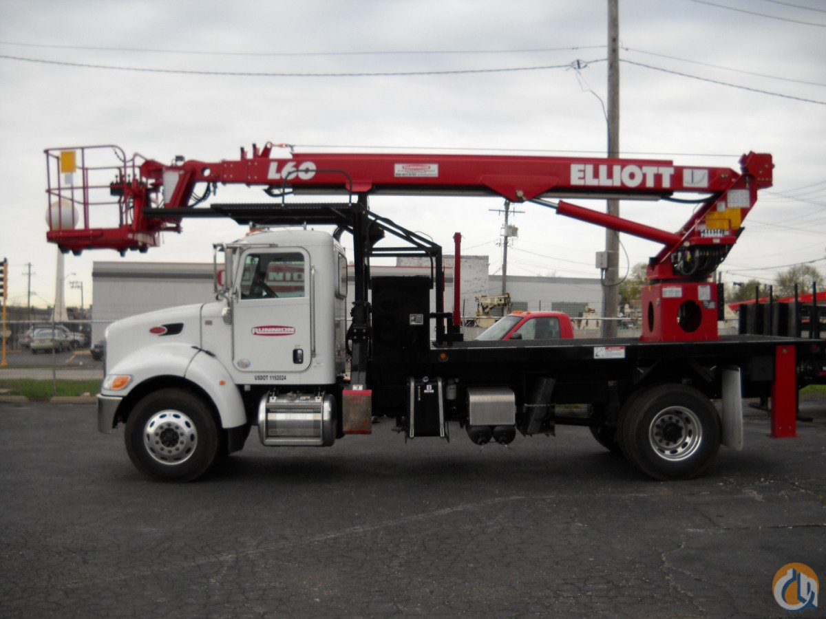 ELLIOTT L60R 62 working height 5900lbs crane on 2014 Peterbilt 367 truck with Auto transmission. Crane for Sale in Lyons Illinois on CraneNetwork.com