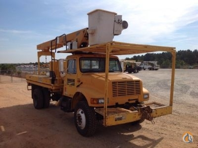 Altec LRV-55 Bucket Sign Cranes Crane for Sale 2000 Altec LRV-55 in Villa Rica  Georgia  United States 218816 CraneNetwork