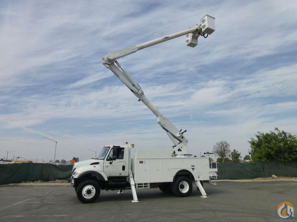 2004 ALTEC AM855 Crane for Sale in Norwalk California on CraneNetwork.com