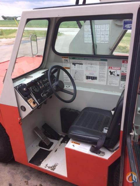 2000 SHUTTLELIFT 3340 Crane for Sale in Tremont Illinois on CraneNetwork.com
