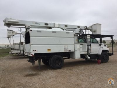 Altec LRV-55 Bucket Sign Cranes Crane for Sale 2005 Altec LRV-55 in Waxahachie  Texas  United States 218759 CraneNetwork