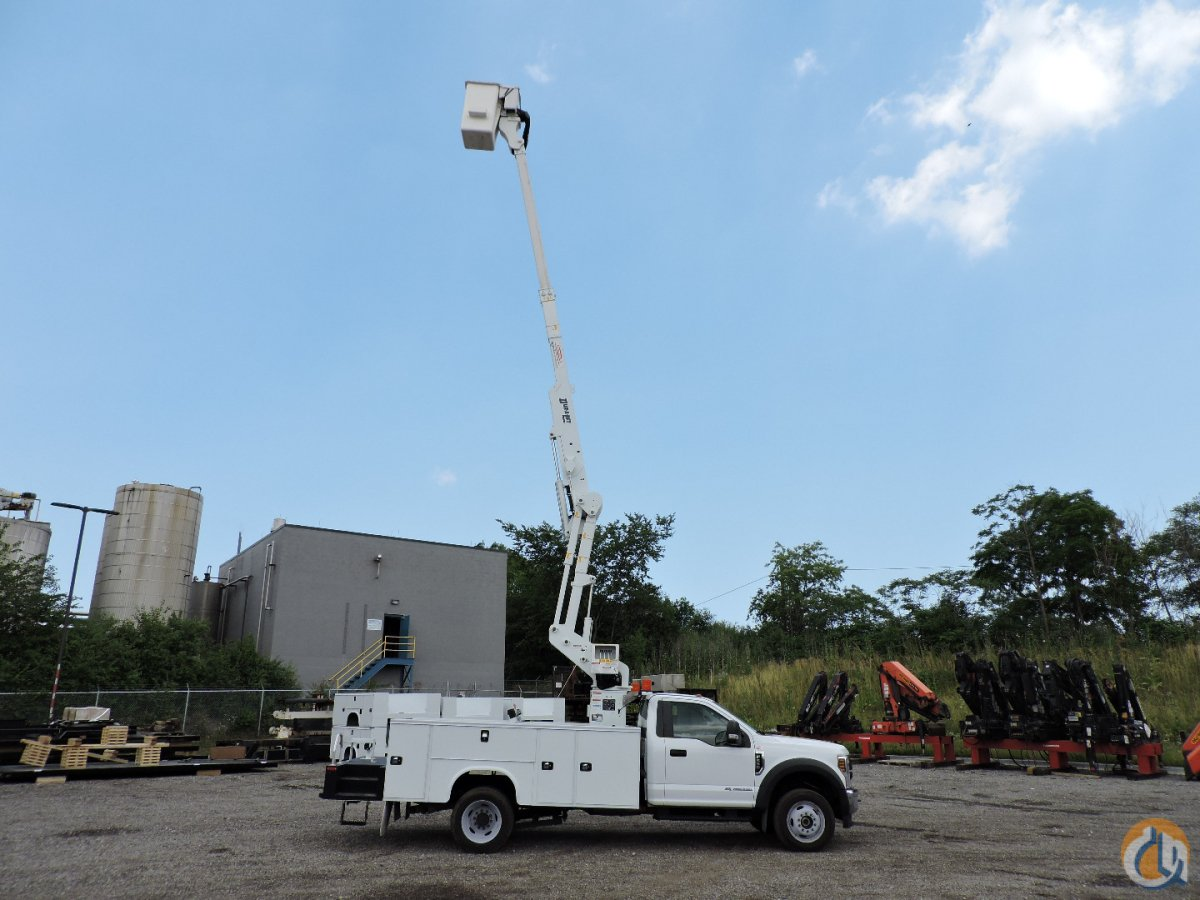 Dur-A-Lift DTAX-39FP mounted on 2018 Ford F550 4x4 Crane for Sale in Hodgkins Illinois on CraneNetwork.com