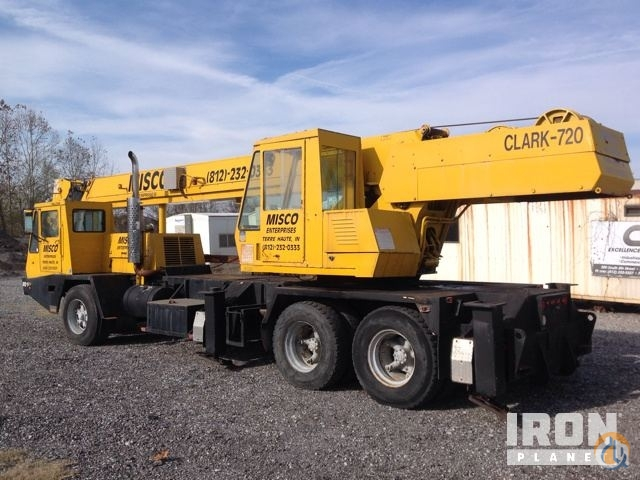 Sold Clark 720 Hydraulic Truck Crane Crane for  in West Terre Haute Indiana on CraneNetwork.com