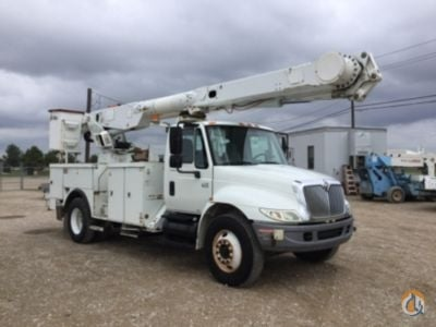 Sold 2006 Altec AM855 Crane for  in Waxahachie Texas on CraneNetwork.com