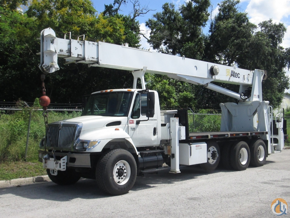 2006 Altec AC26-103 on a 2007 International 7600 Crane for Sale in Tampa Florida on CraneNetwork.com
