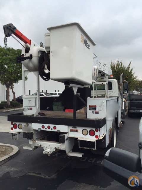 2009 Altec AM55-MH Crane for Sale in Irvine California on CraneNetwork.com