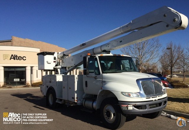 2009 ALTEC AA755-MH Crane for Sale in Fort Wayne Indiana on CraneNetwork.com