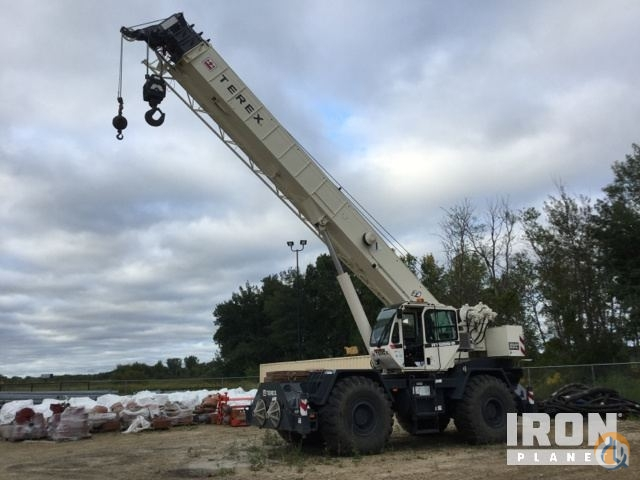 Sold 2014 Terex RT555-2 Rough Terrain Crane Crane for  in Hugo Minnesota on CraneNetwork.com