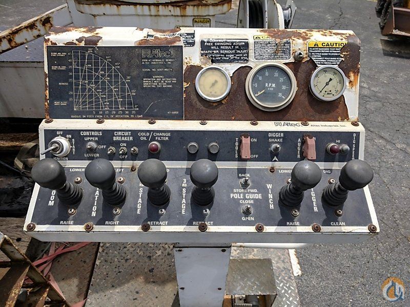 Sold Altec D990-47TC Crane for in Charlotte Michigan on