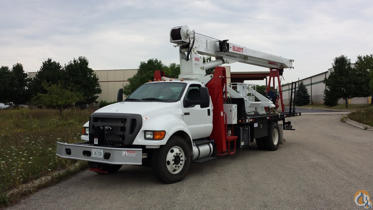 Sold 2015 Elliott 1870F Crane for  in Romeoville Illinois on CraneNetwork.com