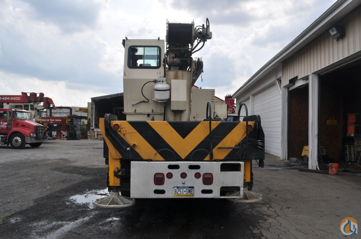 Sold 2004 National 1400 Series Crane for  in Philadelphia Pennsylvania on CraneNetwork.com