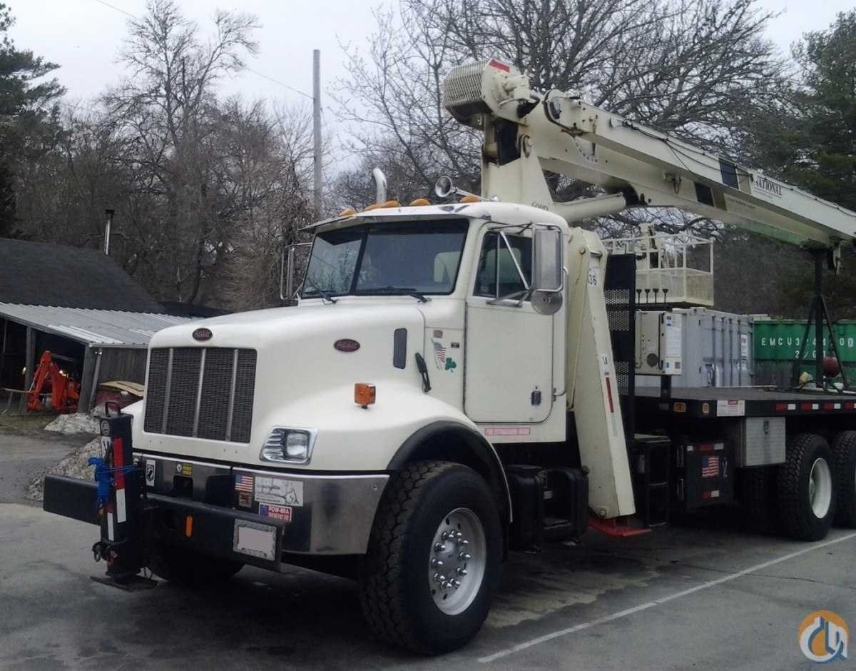 Sold Parade Pretty Used National Crane 685D on Peterbilt 140 Tip Ht. Crane for  on CraneNetwork.com