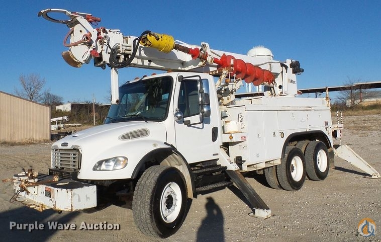 2006 Freightliner Business Class M2 Crane for Sale in Columbia Missouri on CraneNetwork.com