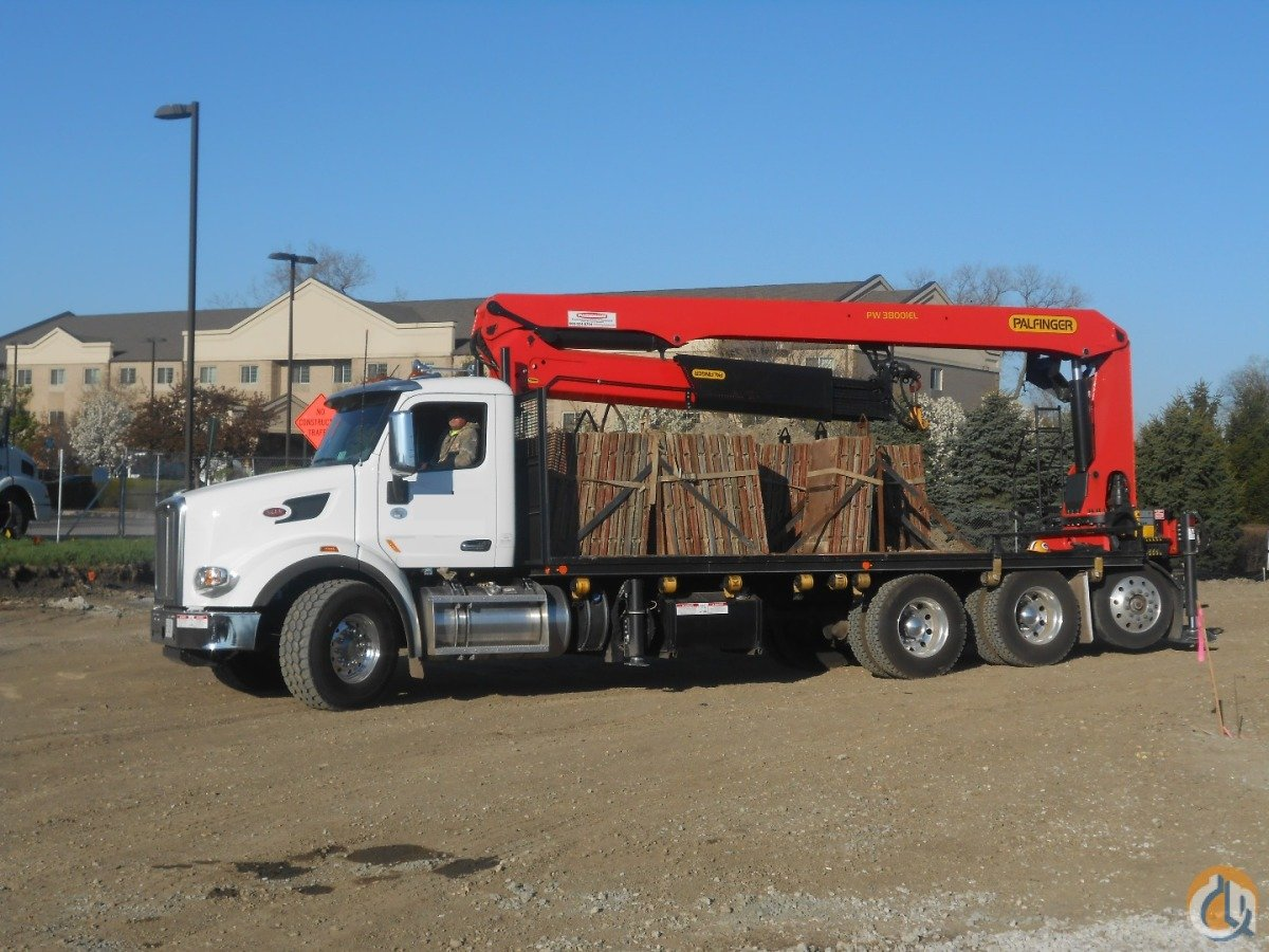 Palfinger PW38001-EL on 2015 Peterbilt Crane for Sale in Lyons Illinois on CraneNetwork.com