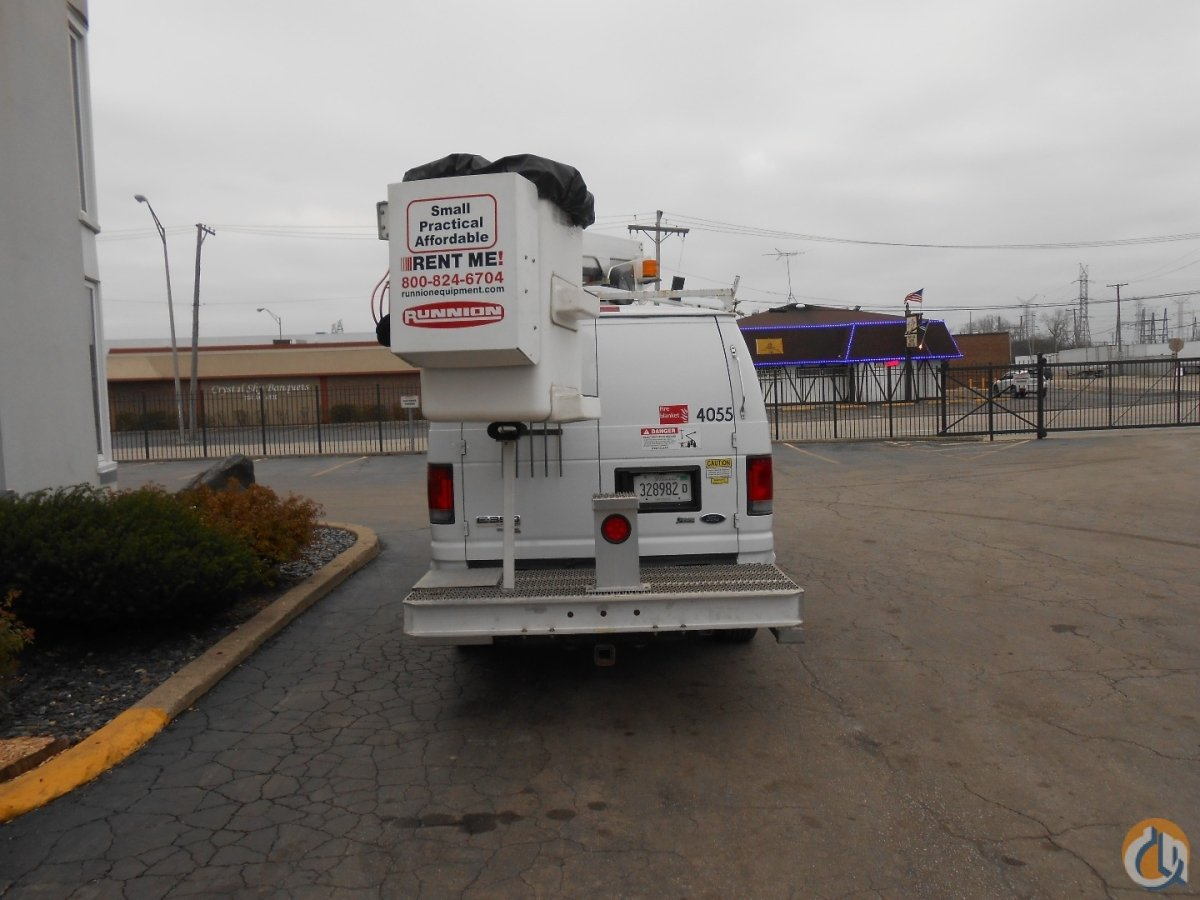 VERSALIFT VAN TEL29N Crane for Sale in Lyons Illinois on CraneNetwork.com