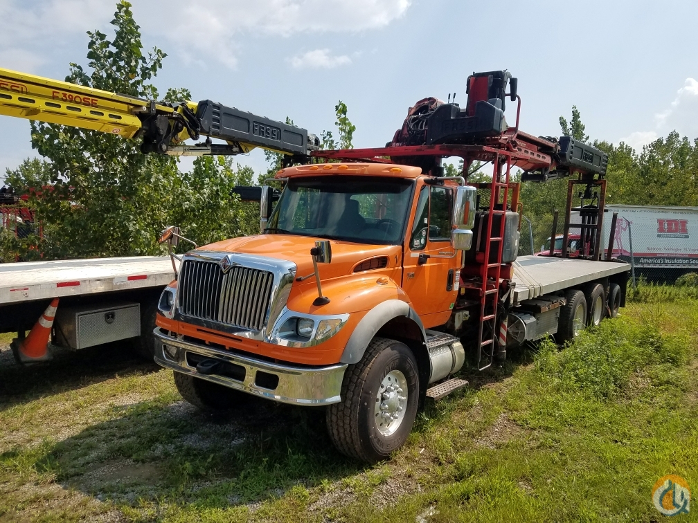 2006 Fassi F390SE Crane on International 7600 with  7811 horizontal reach 91 tip height Crane for Sale on CraneNetwork.com