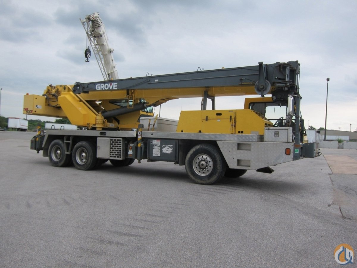 LOW HOURS CUMMINS DIESEL ENGINE TWO WINCHES Crane for Sale on CraneNetwork.com