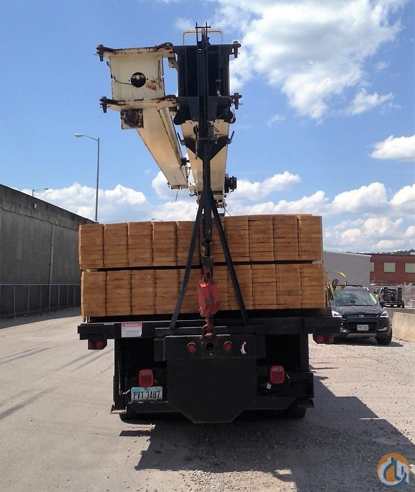 2006 NATIONAL 900A Crane for Sale in Nitro West Virginia on CraneNetwork.com