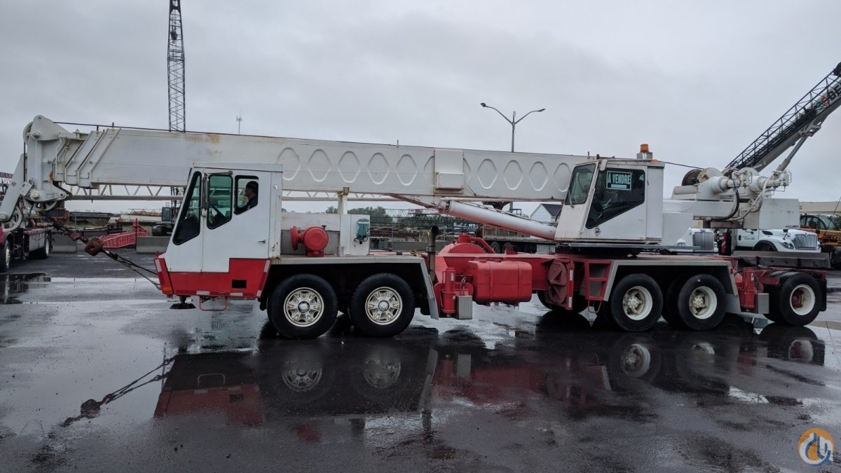 1982 Link-Belt HTC1040 Crane for Sale in Saint-Mathieu-de-Beloeil Quebec on CraneNetwork.com