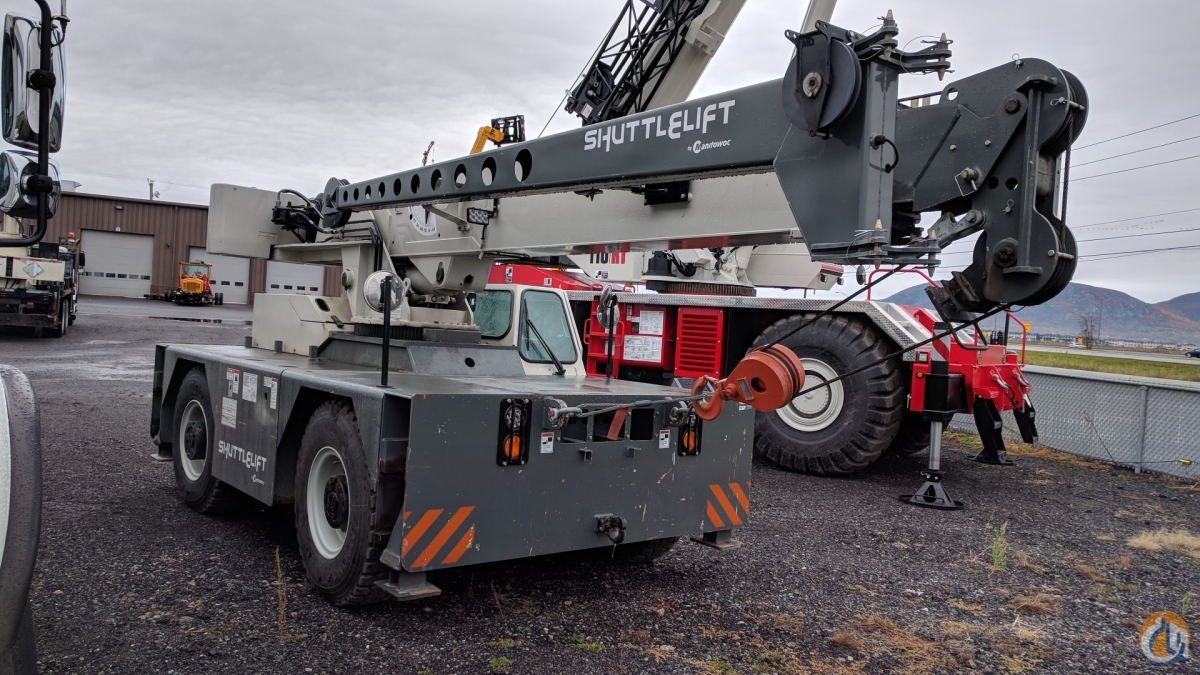 2013 Shuttlelift CD5515-2 Crane for Sale in Saint-Mathieu-de-Beloeil Qubec on CraneNetwork.com